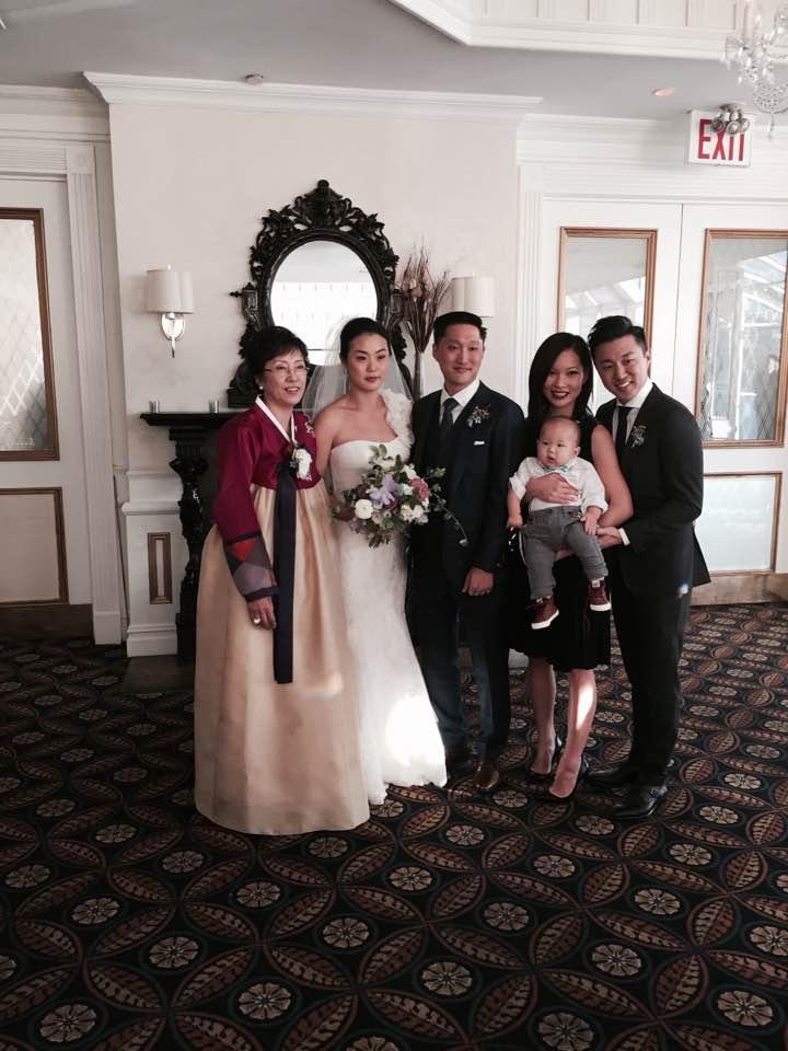 전윤옥 집사님 가족 사진 .jpeg