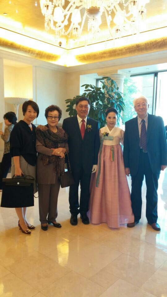 박선희 집사님 가족 사진 .jpeg